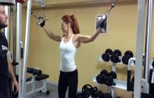 01_AdvEq_Biceps_CableOverheadCurls_RUS.mp4